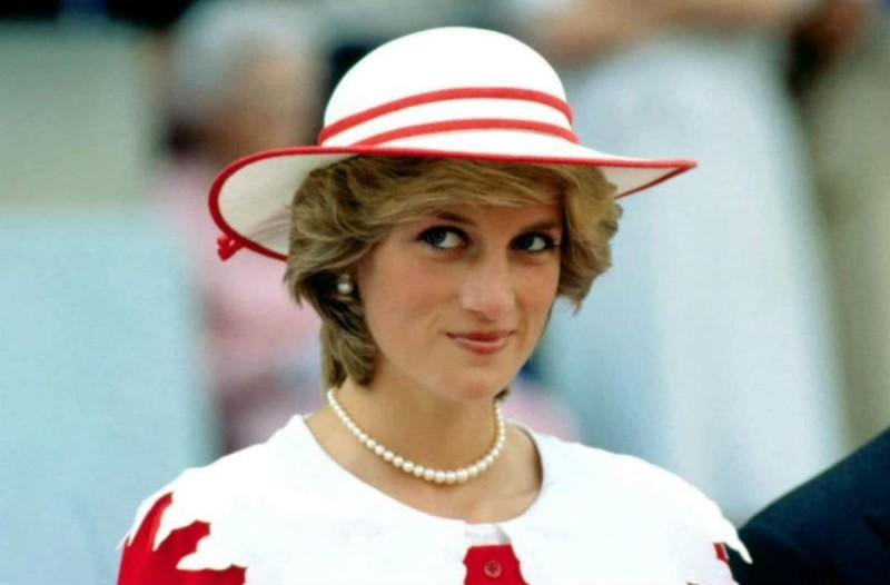 Πριγκίπισσα Νταϊάνα: Η αποκάλυψη για τις φωτογραφίες της και το μεγάλο της μυστικό