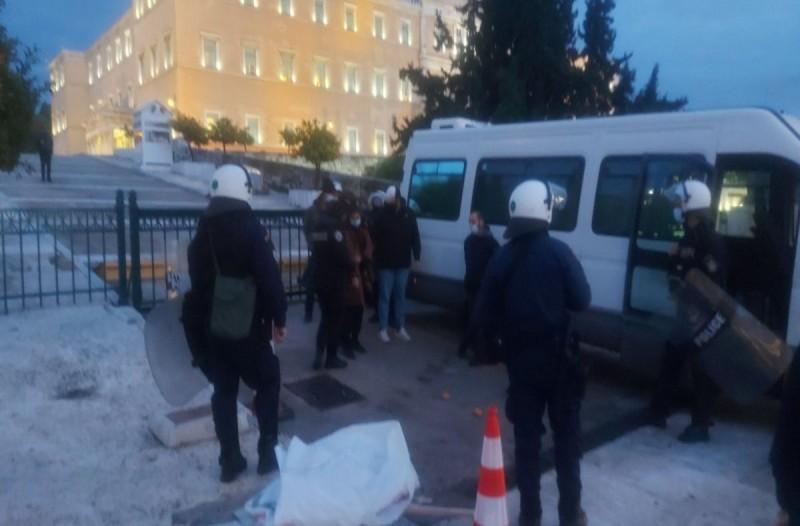 Ένταση στο μετρό Συντάγματος με Αστυνομία και αντιεξουσιαστές