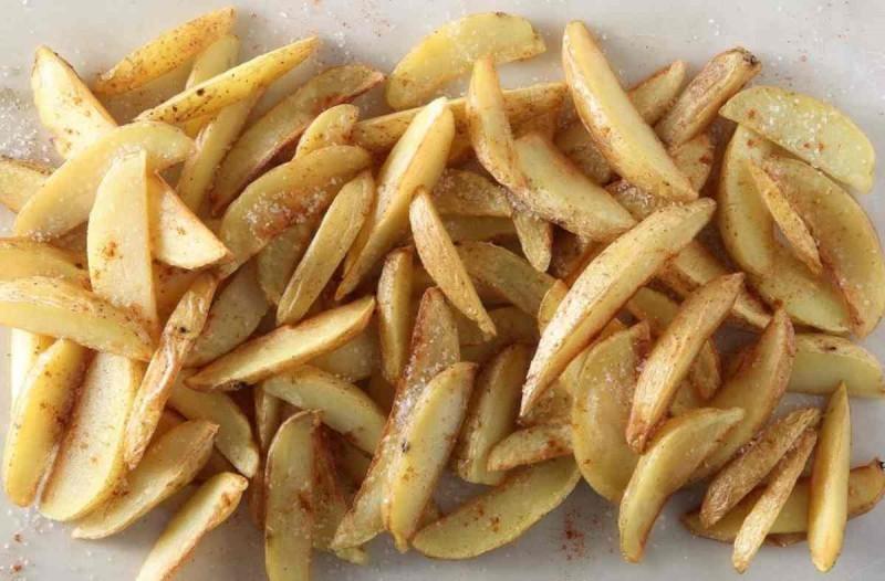 Μην τηγανίσετε ποτέ ξανά με αυτό τον τρόπο τις πατάτες: Μεγάλος κίνδυνος από…