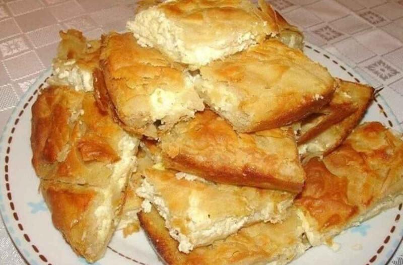 Τυρόπιτα... μερακλήδικη με φέτα και γιαούρτι - Η «μαγεία» είναι στο φύλλο