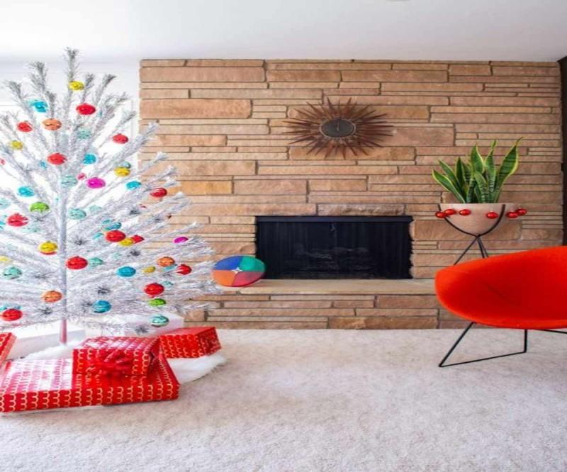 Χριστουγεννιάτικο δέντρο ασημί μίνιμαλ