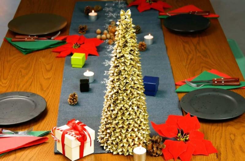 Χριστουγεννιάτικο δέντρο με ζυμαρικά