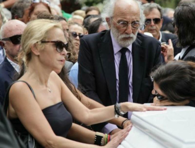 κηδεία Ζωής Λάσκαρη