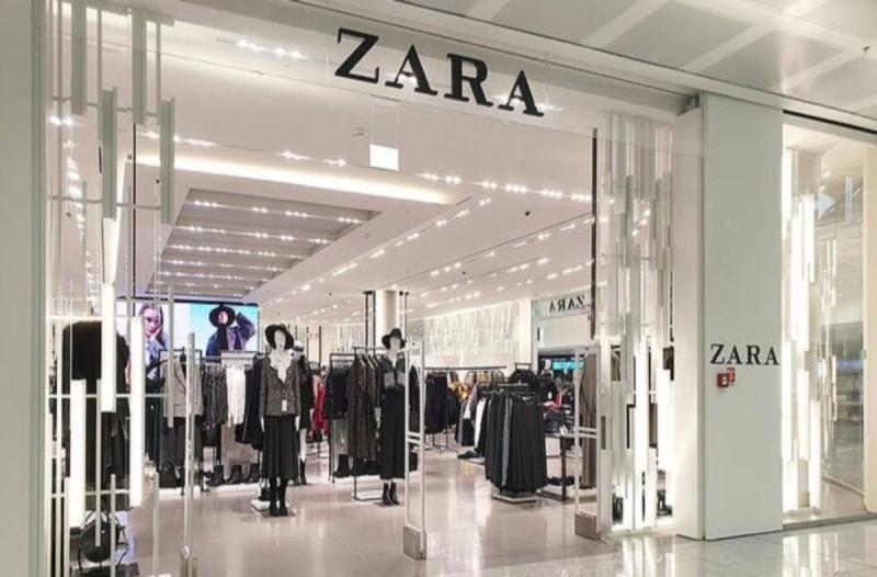Online ξεπούλημα στα ZARA: Η μπλούζα που κοστίζει κάτω από 10 ευρώ