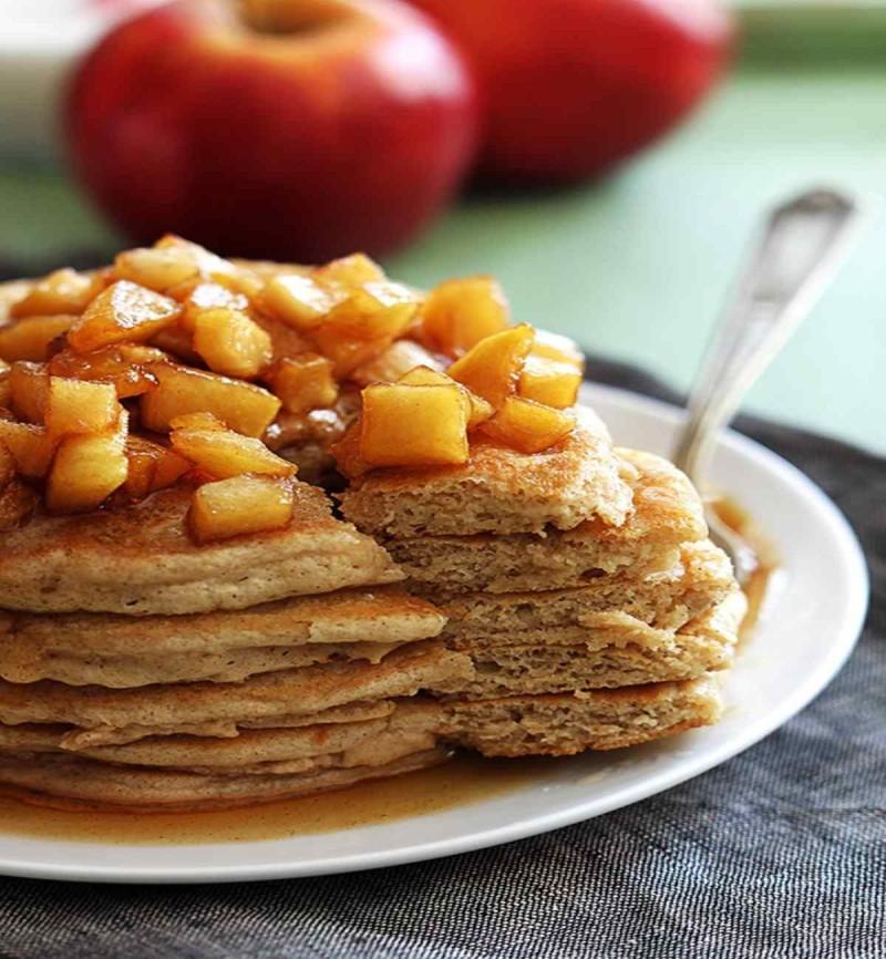Συνταγή για τηγανίτες με μήλα και κανέλα