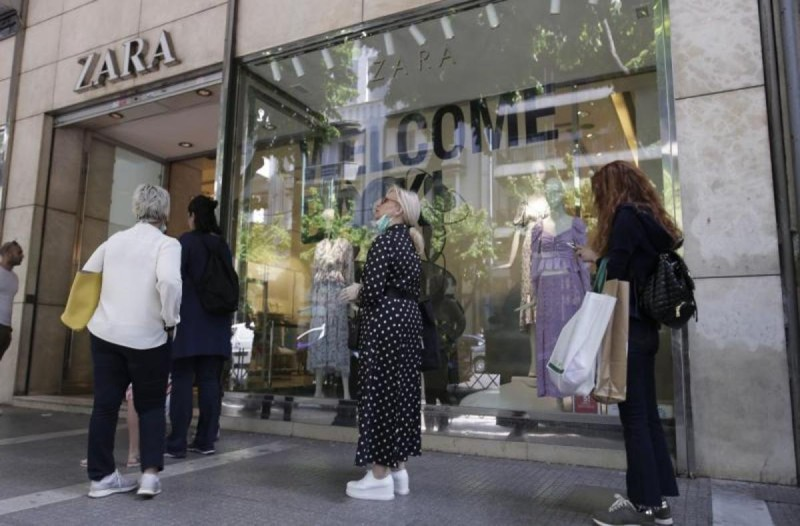 ZARA: Το πουπουλένιο μπουφάν που κοστίζει μόνο 19,99 ευρώ - Προλάβετε την απίστευτη προφορά