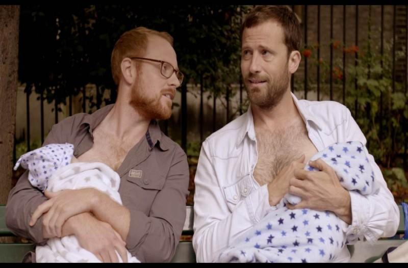 Σετ ορμονών επιτρέπει στους άντρες να βυζαίνουν τα μωρά όπως ακριβώς και οι γυναίκες