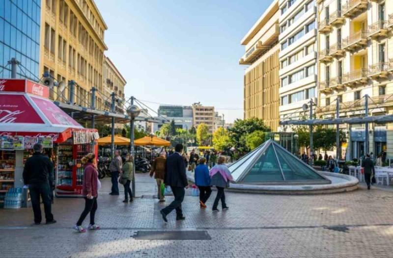 Κορωνοϊός: Συνεχίζει να «βράζει» το κέντρο της Αθήνας - Σε αυτές τις ηλικίες αυξήθηκαν τα κρούσματα