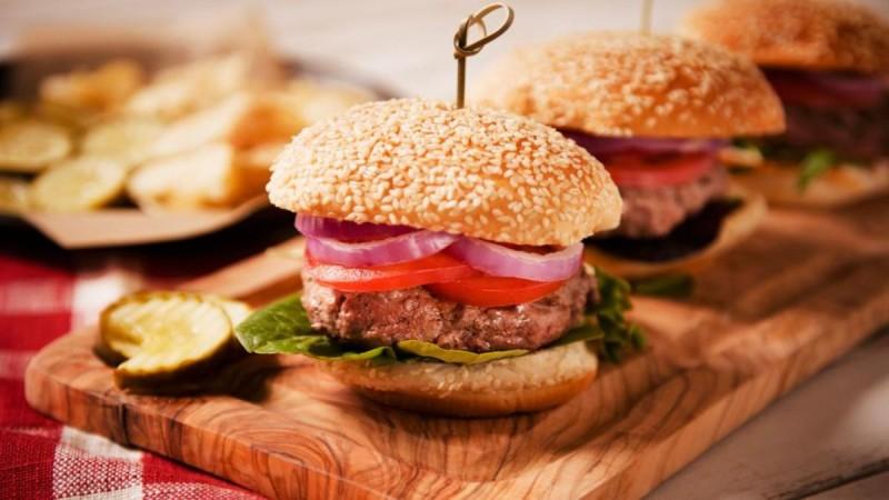 Συνταγή για burger με μπιφτέκια σόγιας