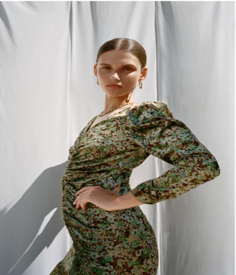 Φόρεμα ZARA με έκτπωση
