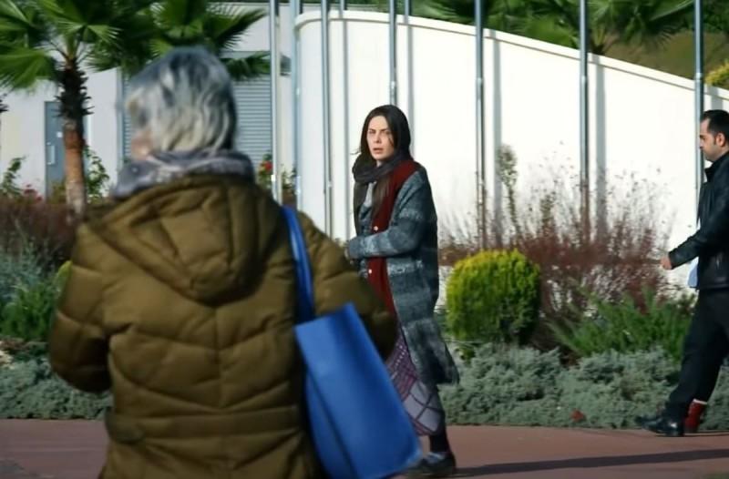 Elif: Η Μελέκ ψάχνει την κόρη της - Θα συναντηθούν;