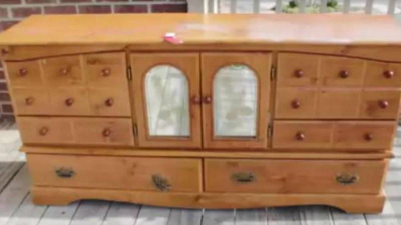Δείτε πώς αυτό το παλιό έπιπλο μετατράπηκε σε ένα φανταστικό μοντέρνο έπιπλο τηλεόρασης!