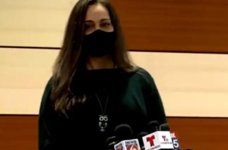Σερβιτόρα παρατήρησε την κακοποίηση ενός 11χρονου από τους γονείς του