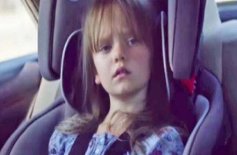 Δημοσίευσε μία φωτογραφία της κόρης της και 2 λεπτά αργότερα ήταν νεκρή… Πρέπει να το δείτε όλοι