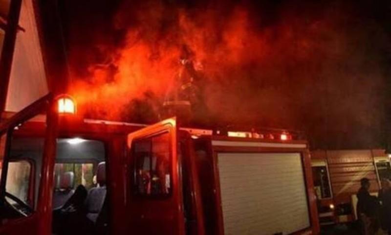 Άνδρας έχασε τη ζωή του μετά από φωτιά σε διαμέρισμα.