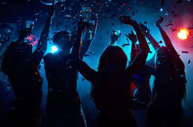 Θεσσαλονίκη: Τους έκανε πάρτι και την παράτησαν να πληρώσει τα