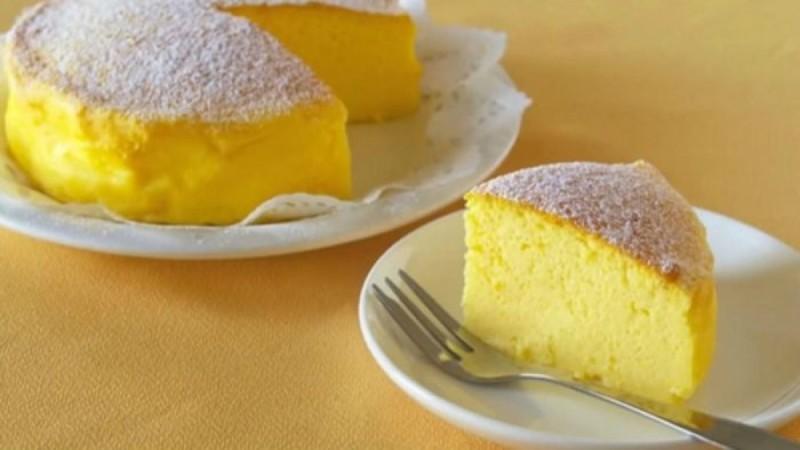 Ιαπωνικό cheesecake: Το πιο αφράτο γλυκάκι που φάγατε ποτέ με τρία μόνο υλικά (Video)