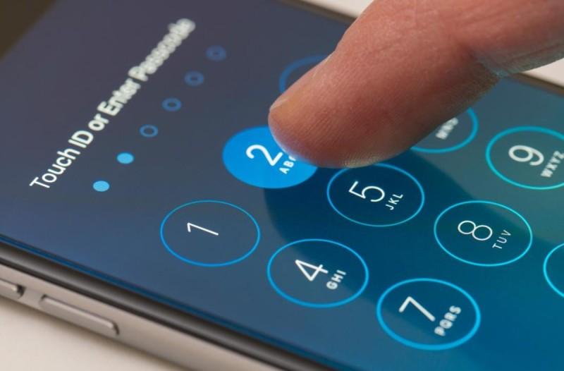 Σας παρακολουθούν το κινητό; Δείτε τα σημάδια για να το καταλάβετε