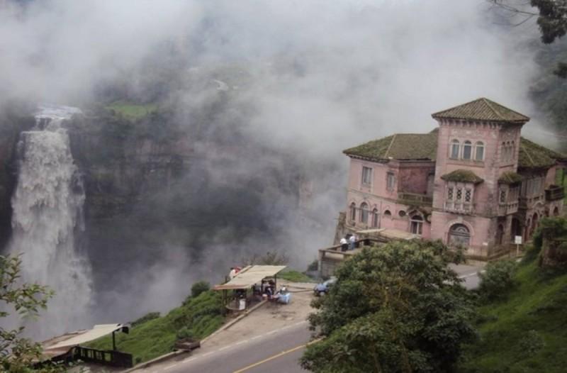 Παρατημένο ξενοδοχείο στην Κολομβία