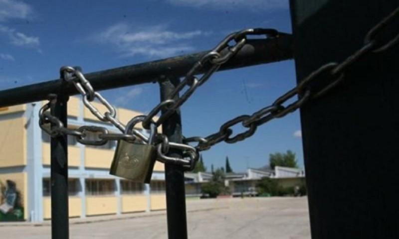 Ο Αθανάσιος Εξαδάκτυλος είπε να μην ανοίξουν τα σχολεία την επόμενη εβδομάδα.