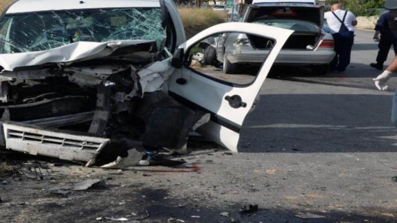 Τροχαίο με έναν νεκρό και δέκα τραυματίες που μετέφερε μετανάστες