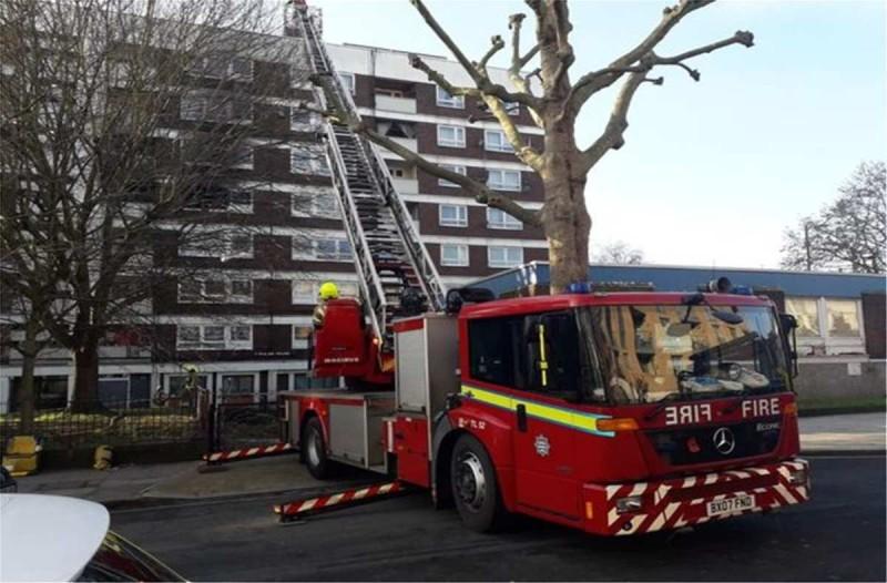 Φωτιά σε πολυκατοικία στο Λονδίνο