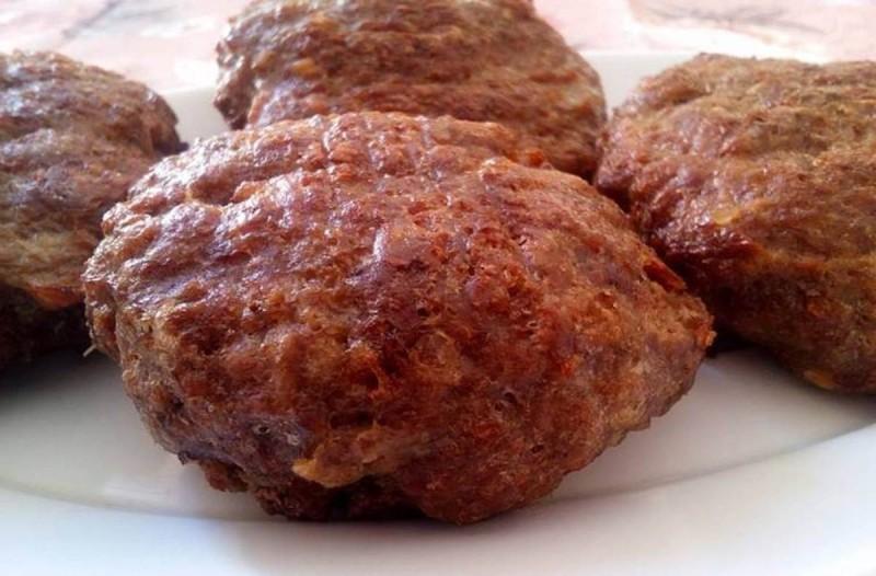 Συνταγή για μπιφτέκια χωρίς ψωμί