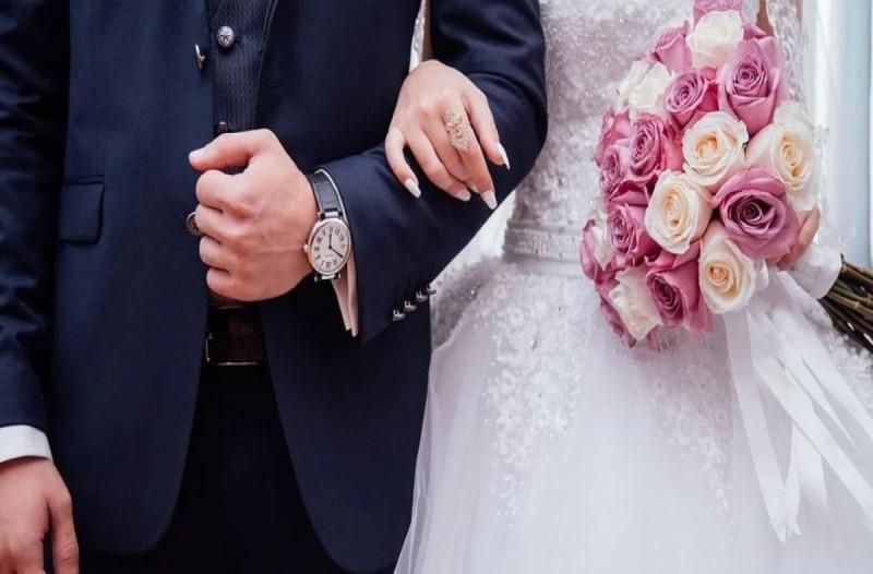 Απίστευτο περιστατικό σε γάμο στην Λάρισα. Ο παπάς έκανε αντίποινα στη νύφη γιατί άργησε 45 λεπτά