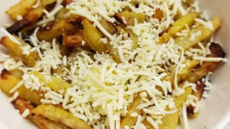 Πατάτες σκορδάτες στο φούρνο σαν τηγανητές