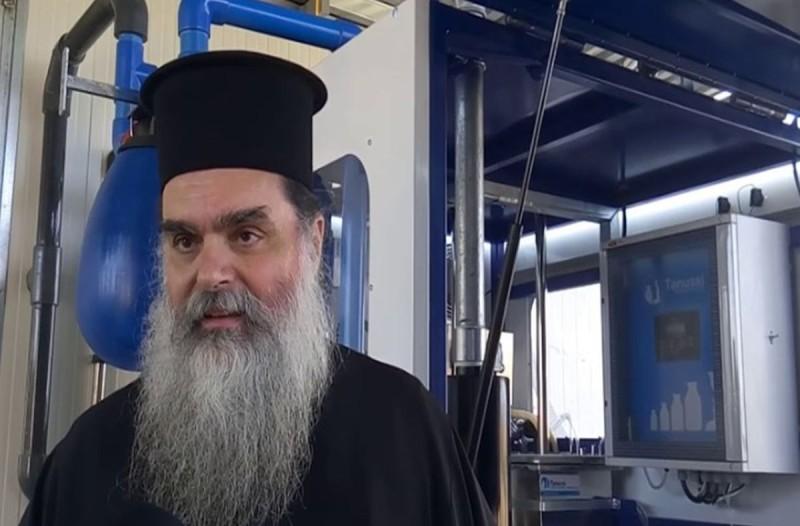 Ιερέας στο Αγρίνιο: Κοινώνησα 700 πιστούς τα Χριστούγεννα, δεν μεταδίδεται ο κορωνοϊός