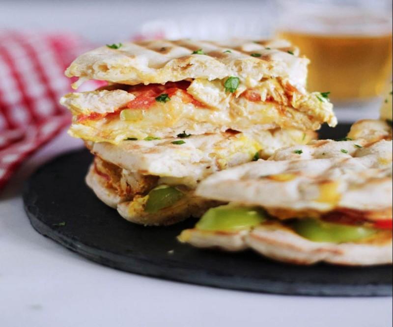 Λαχταριστή συνταγή για πίτα με κοτόπουλο και τυρί