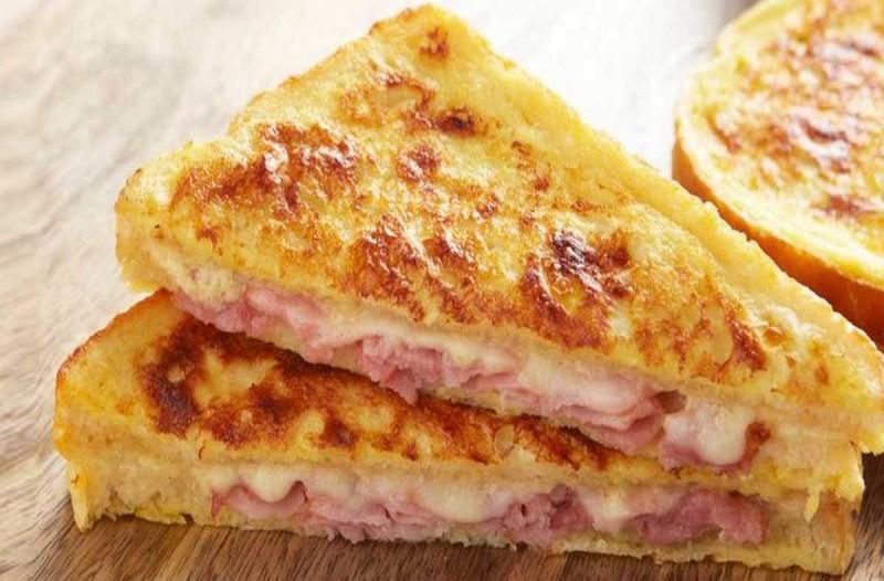 Πεντανόστιμη πίτσα με ψωμί του τοστ