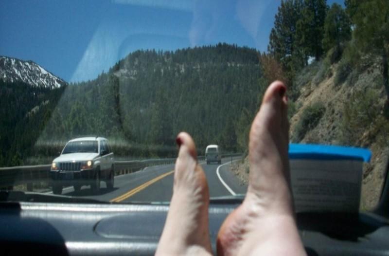 Κίνδυνος - Θάνατος: Μην απλώνετε ποτέ τα πόδια στο ταμπλό του αυτοκινήτου