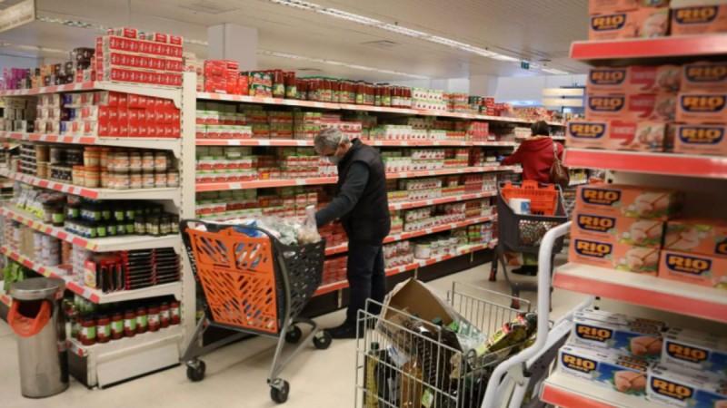 Τρόμος στα σούπερ μάρκετ Σκλαβενίτη