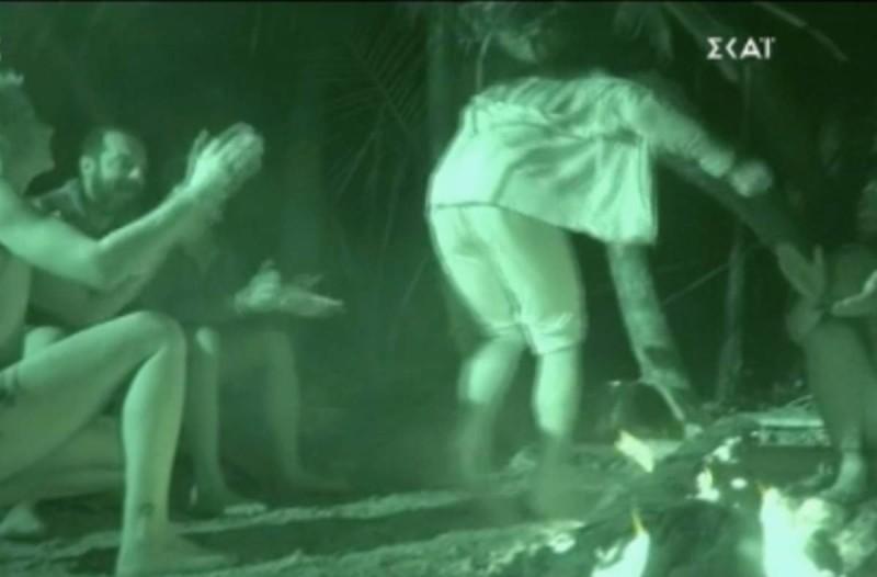 Survivor 4: «Ξεσήκωσε» όλο τον Άγιο Δομίνικο η Ελίζαμπεθ Ελέτσι - Το… ασήκωτο ζεϊμπέκικο με τραγούδι Τριαντάφυλλου