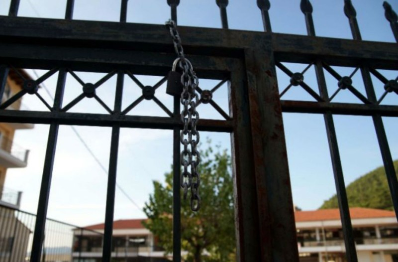 Κορωνοϊός: Πρόταση «βόμβα» Δημοσθένη Σαρηγιάννη για το άνοιγμα των σχολείων (Video)