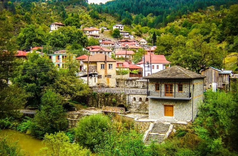 Βοβούσα: Το ελληνικό χωριό που
