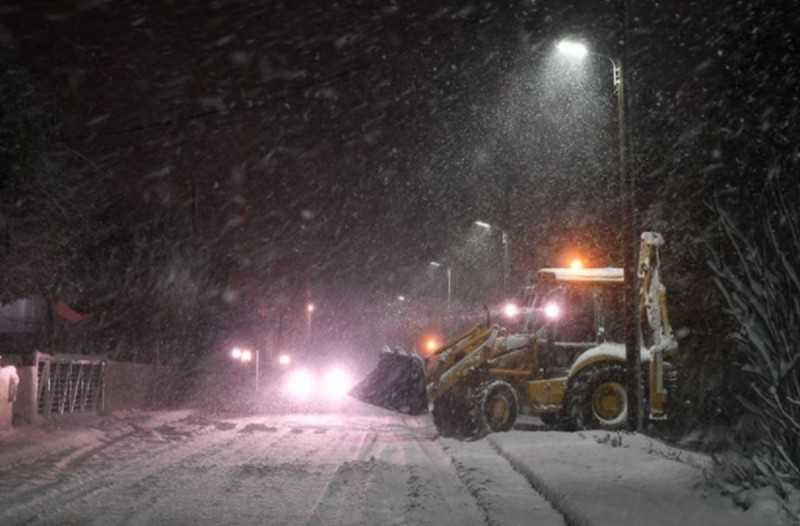 Η Αττική περιμένει τον χιονιά - Εκχιονιστικά με 600 τόνους αλάτι!