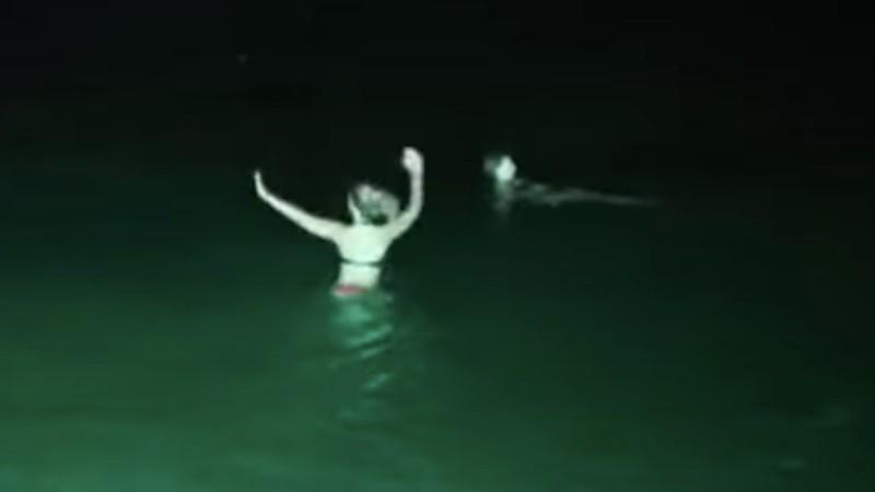Το ζεϊμπέκικο… του κορωνοϊού μες στη θάλασσα μας έκανε να δακρύσουμε