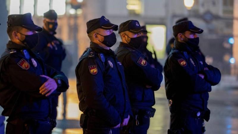 Συναγερμός στην Ισπανία: Ζωντανός βρέθηκε ένας μετανάστης μέσα σε σάκο με τοξικά απόβλητα