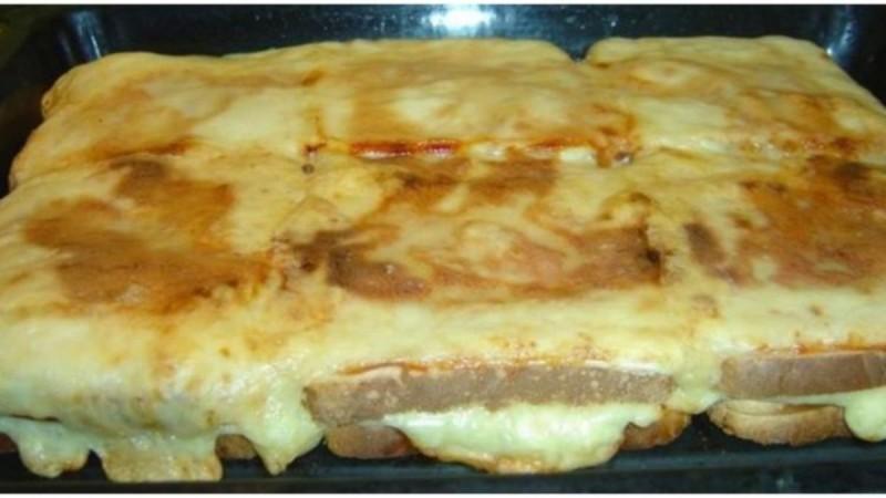 Η πίτσα τοστ της Ελένης