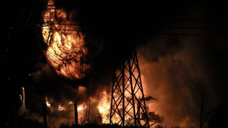 Συναγερμός στην Αττική: Έκρηξη σε μετασχηματιστή της ΔΕΗ και διακοπή ρεύματος στα Βόρεια προάστια