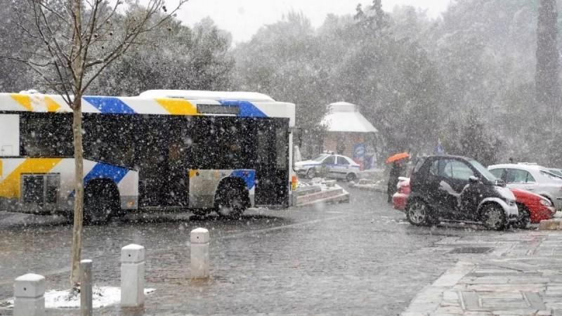 Κακοκαιρία Μήδεια: «Φρένο» στις συγκοινωνίες της Αθήνας - Χωρίς λεωφορεία και Ηλεκτρικό η Αττική