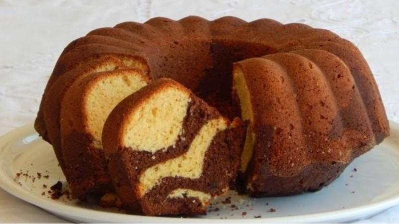 Δίχρωμο κέικ της μανούλας