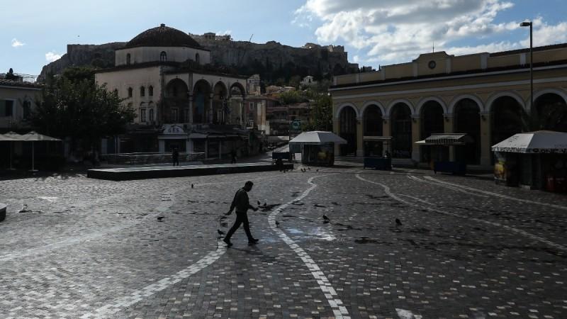 Η φωτογραφία της ημέρας: Βόλτα στο άδειο Μοναστηράκι