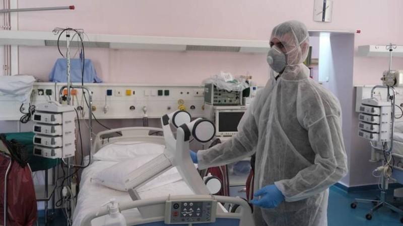 Κορωνοϊός: Συνεχίζεται η «έκρηξη» κρουσμάτων - Μεγάλη «μάχη» να μείνει όρθιο το σύστημα υγείας