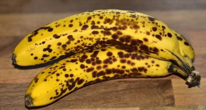 Μπανάνες: Μάθετε τι συμβαίνει όταν τις καταναλώνετε με μαύρα στίγματα