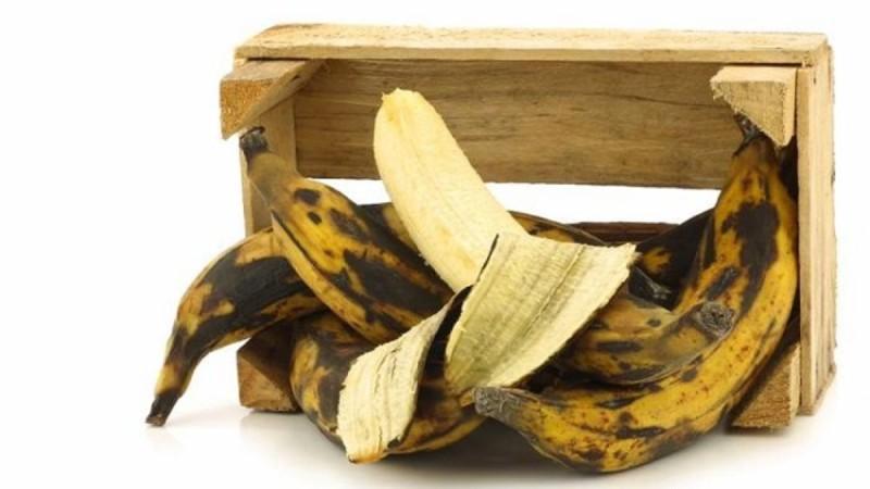 Μάθετε τι συμβαίνει στο σώμα σας όταν καταναλώνετε ώριμες μπανάνες με μαύρα στίγματα!