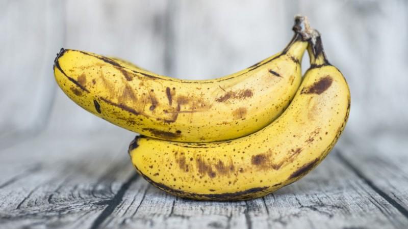Μπανάνες: Δείτε τι συμβαίνει όταν τις καταναλώνετε με μαύρα στίγματα
