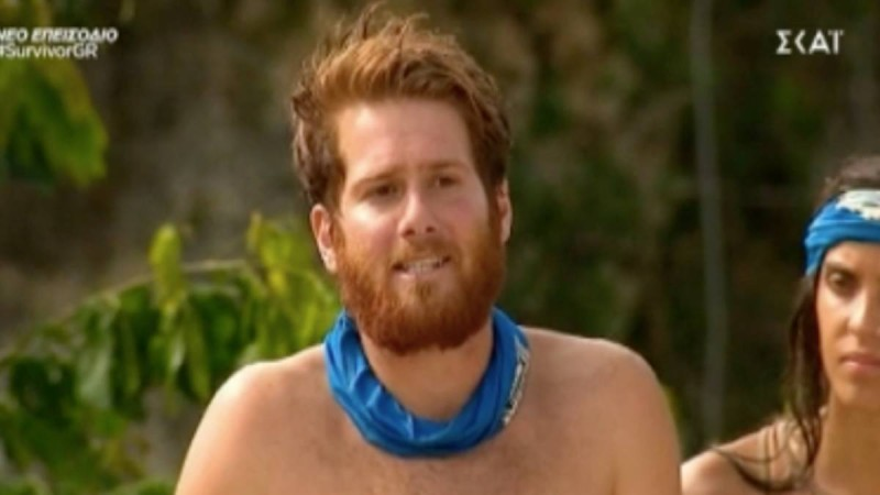 Survivor 4: Βρήκε… μιλιά και πήγε να «ανακατέψει» κι άλλο τους «Κόκκινους» ο Τζέιμς - «Θα σε κάνουν εθνικό σταρ αγόρι μου»